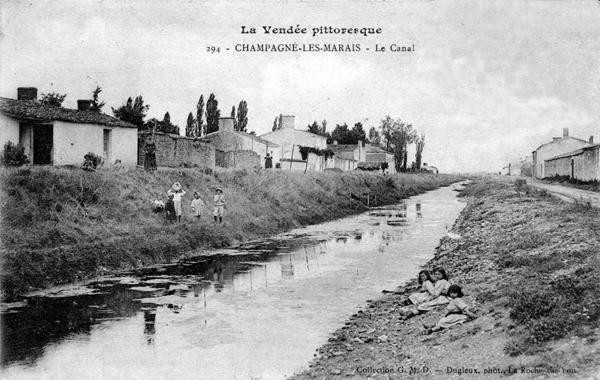 Carte postale du canal