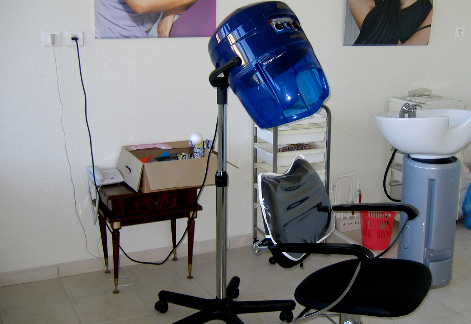 Salon de coiffure à disposition des professionnels
